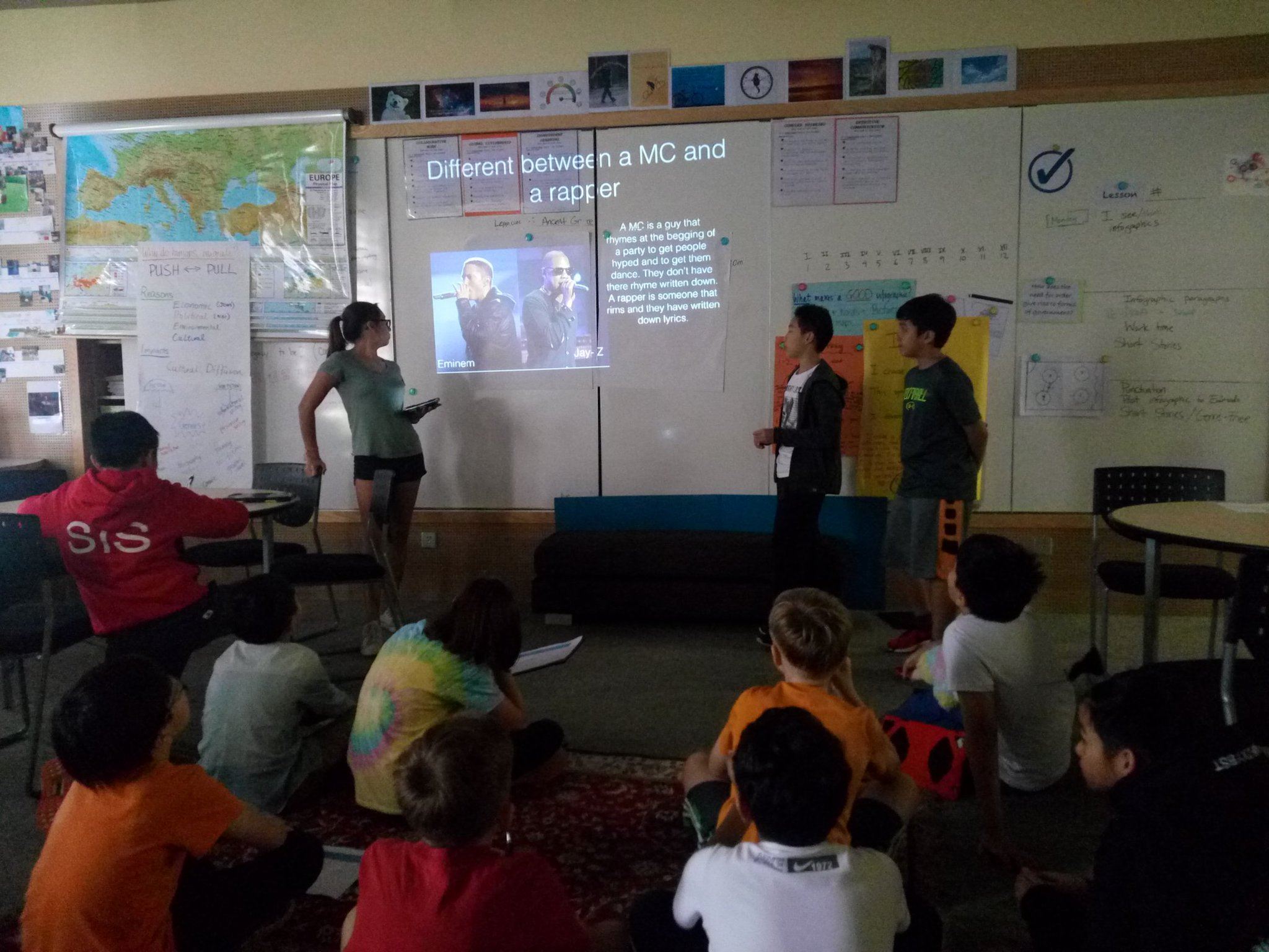 Difference between an MC and a rapper....#HipHopEd #nopassionleftbehind #hiphopcounselor #hiphop101 #sisrocks https://t.co/hxbKSrpEuY