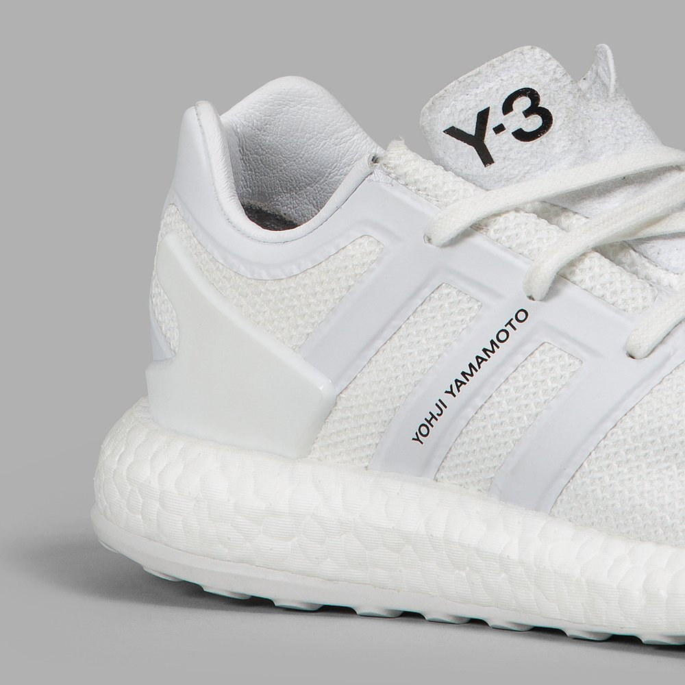 be9d4a3ba8c64 adidas alerts on Twitter