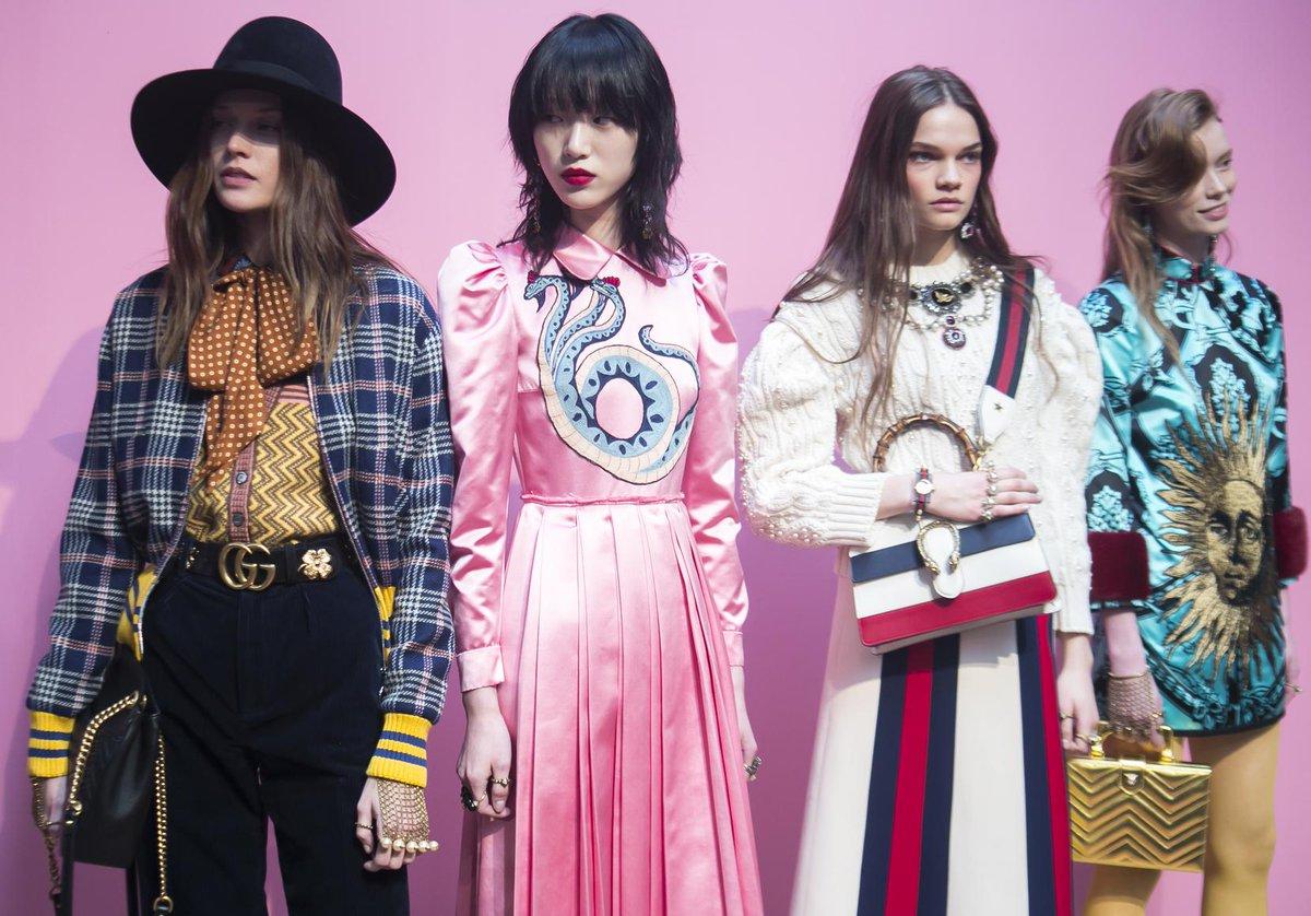 #Mode Fashion week automne-hiver 2017-2018 : c'est parti pour Milan  http:// dlvr.it/NRkJnR  &nbsp;  <br>http://pic.twitter.com/dnMGrdByUw