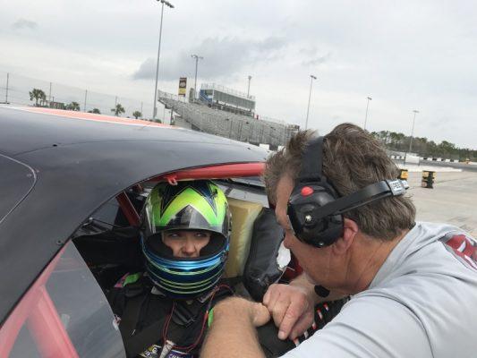 . @AriannaC74 enchantée par ses tests aux Etats-Unis! #NASCAR @EuroNASCAR @Freem_Racing  http:// dlvr.it/NRLHCN  &nbsp;    via @LeMagSportAuto<br>http://pic.twitter.com/YHSmX8LUwE