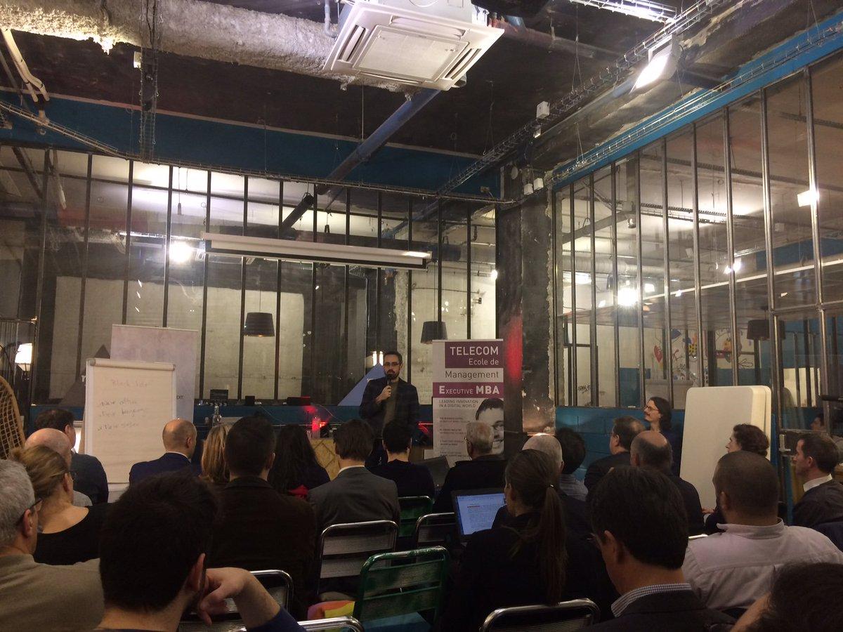 Conférence de @gfouetil sur la #transformation digitale au @RemixCoworking: d&#39;un web documentaire à un web social, enjeux des données demain<br>http://pic.twitter.com/aFa4itfOLa