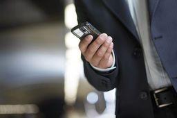 C'est confirmé : les #smartphones ont tué les pointeuses et le temps de #travail légal  http:// buff.ly/2m476Hg  &nbsp;   #RH @LUsineDigitale<br>http://pic.twitter.com/6sWpM53h7o