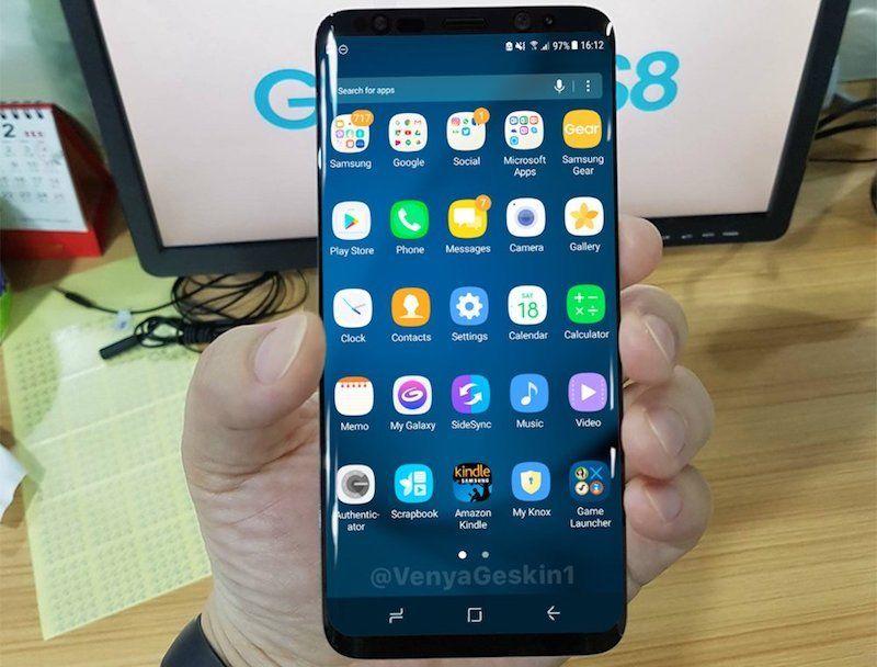 Galaxy S8: nouvelles photos et premier aperçu de son dock PC Samsung DeX &gt;   http:// bit.ly/2kKQPa1  &nbsp;   #GalaxyS8 #Samsung #GalaxyS8Plus<br>http://pic.twitter.com/8VUoGr9qRs