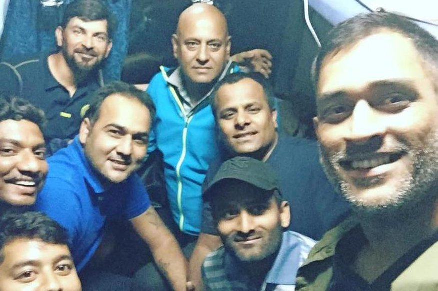 .@msdhoni Travels By Train After 13 Years  http://www. news18.com/cricketnext/ne ws/ms-dhoni-travels-by-train-after-13-years-1352088.html &nbsp; …  #dhoni <br>http://pic.twitter.com/E7DiRudsLU