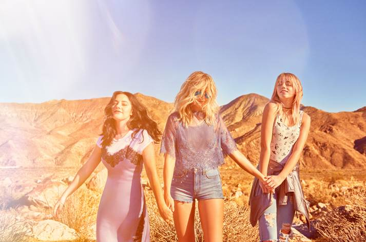 La nouvelle collection H&amp;M Loves Coachella va faire fureur!: H&amp;M dévoile…  http:// dlvr.it/NRs0mf  &nbsp;   #MODE #collection #festival #hm #musique<br>http://pic.twitter.com/dvu32UCsCR
