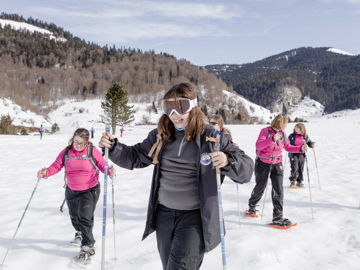 Le #sport pour les jeunes filles en situation de #handicap - le projet Pyrénées Terre et Eau promeut l&#39;#inclusion !  http:// ow.ly/Duhi309feTx  &nbsp;  <br>http://pic.twitter.com/vNjNufP55U