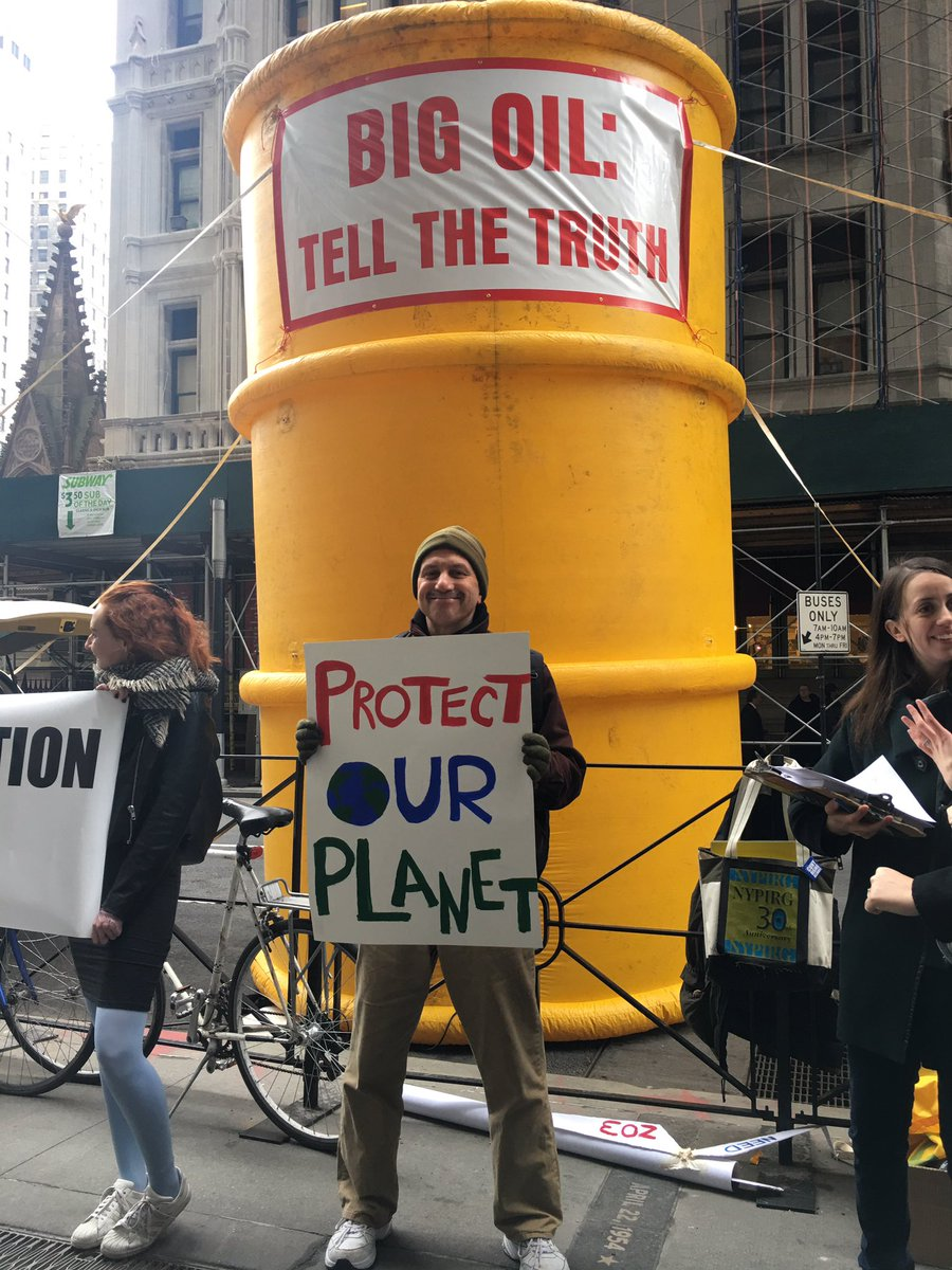 Over 350 New York groups signed a letter to @AGSchneiderman supporting his investigation into all that #ExxonKnew <br>http://pic.twitter.com/TEVdqYTmXS