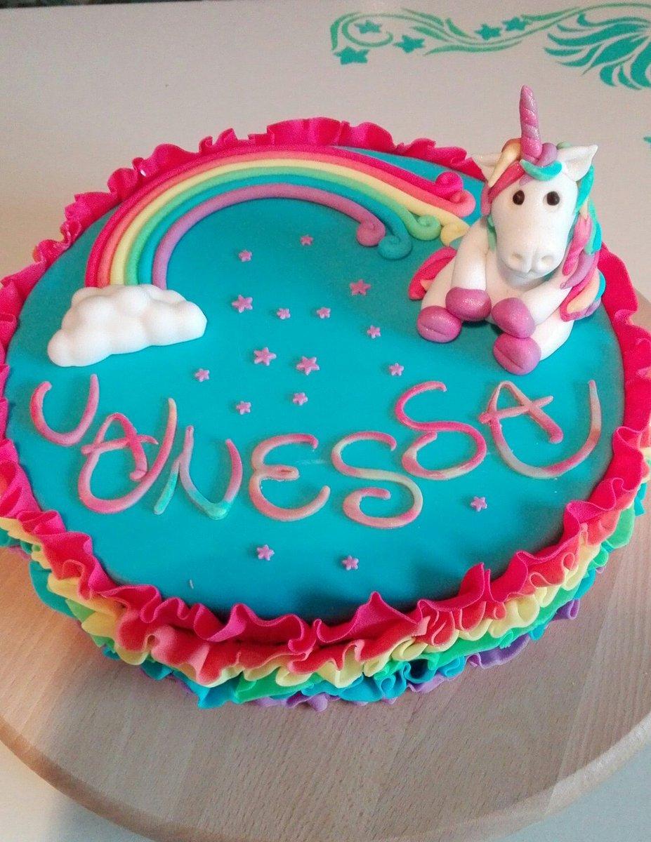 Tortenherz On Twitter Regenbogen Einhorn Torte Unicorn
