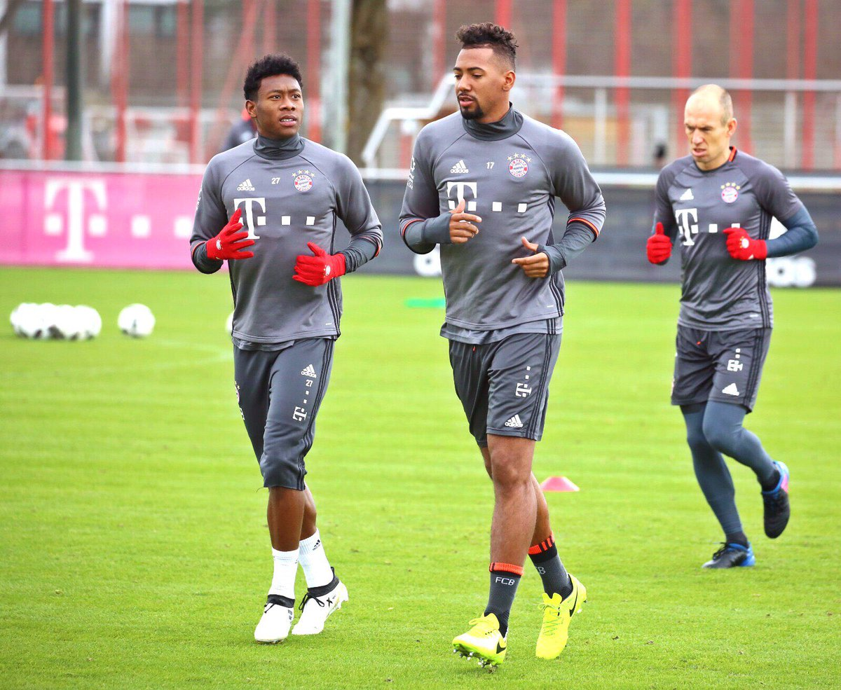 We out here again! 🔴💪🏾 @FCBayern #da27 https://t.co/Vzr5aj1t3R