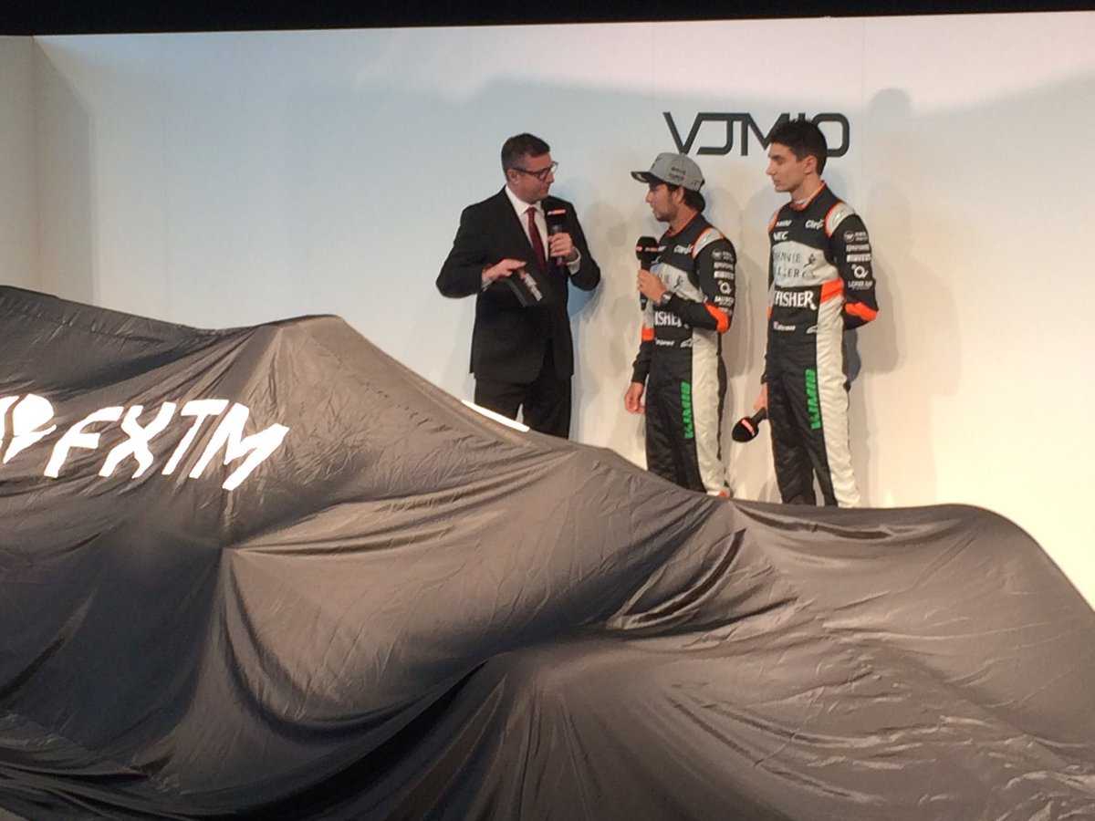 Crofty giving Checo and Esteban a little grilling before the main mome...