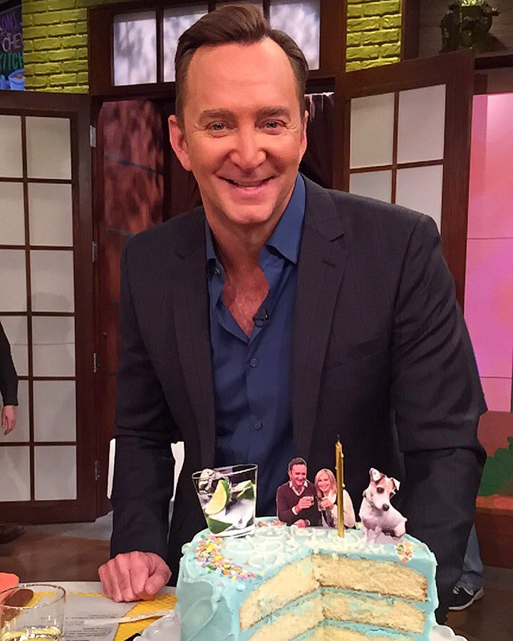 Just a few of @clinton_kelly's favorite things: Gin & Tonic, @oliv...