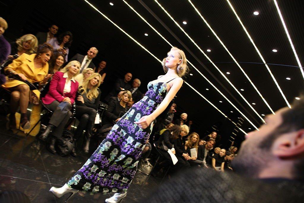 C&#39;est parti pour la #FashionWeek de #milan !  https:// goo.gl/wZ3tKO  &nbsp;   #milanfashionweek #fashion #mode #Prada #Gucci #VersaceOnTheFloor<br>http://pic.twitter.com/gmOJfmAegi
