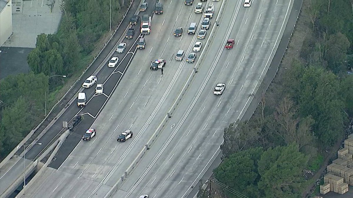 Breakingnews Sb 5 Fwy Briefly Shut Down At Sheldon St In Sun Valley After Felony