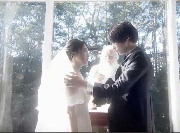 結婚 村川絵梨