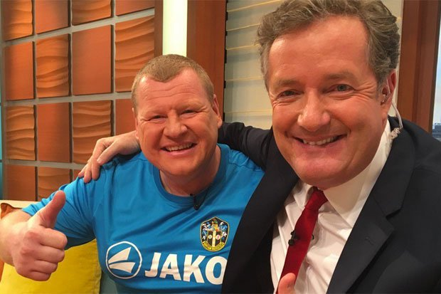 RT @haveigotnews: Fears grow for #Piegate's Wayne Shaw as he appears to hit rock bottom. https://t.co/4lzfDIuSBI