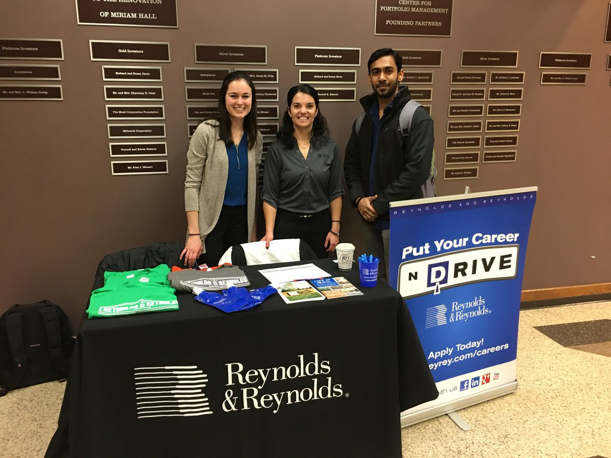Thanks @reyreycareers for stopping in to chat with our students today! #Reynolds&amp;Reynolds #HireAFlyer<br>http://pic.twitter.com/kkAjncNVhW