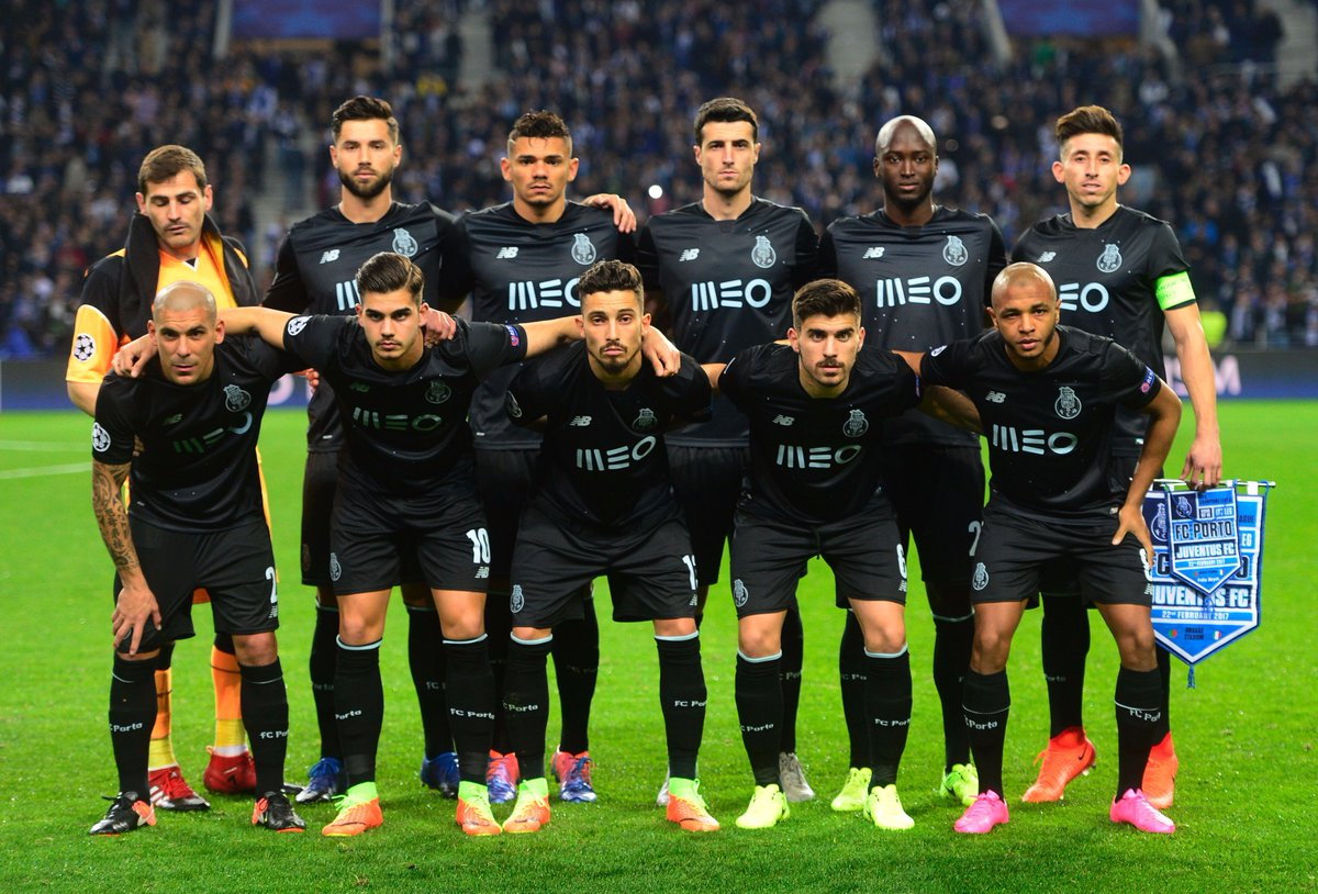 Porto pose for the cameras before the start. Tonight they aim to exten...