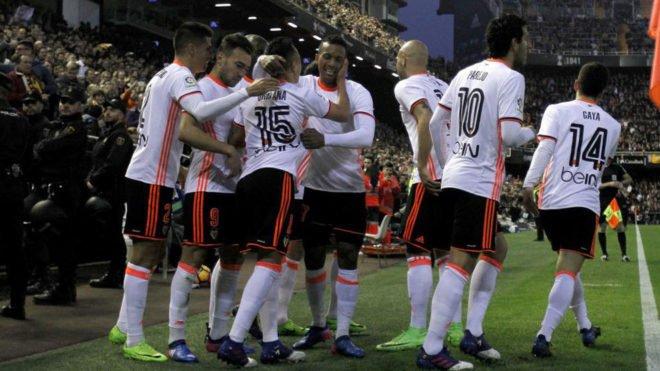 El Valencia derrotó al Madrid con goles de dos jugadores que no tenía...