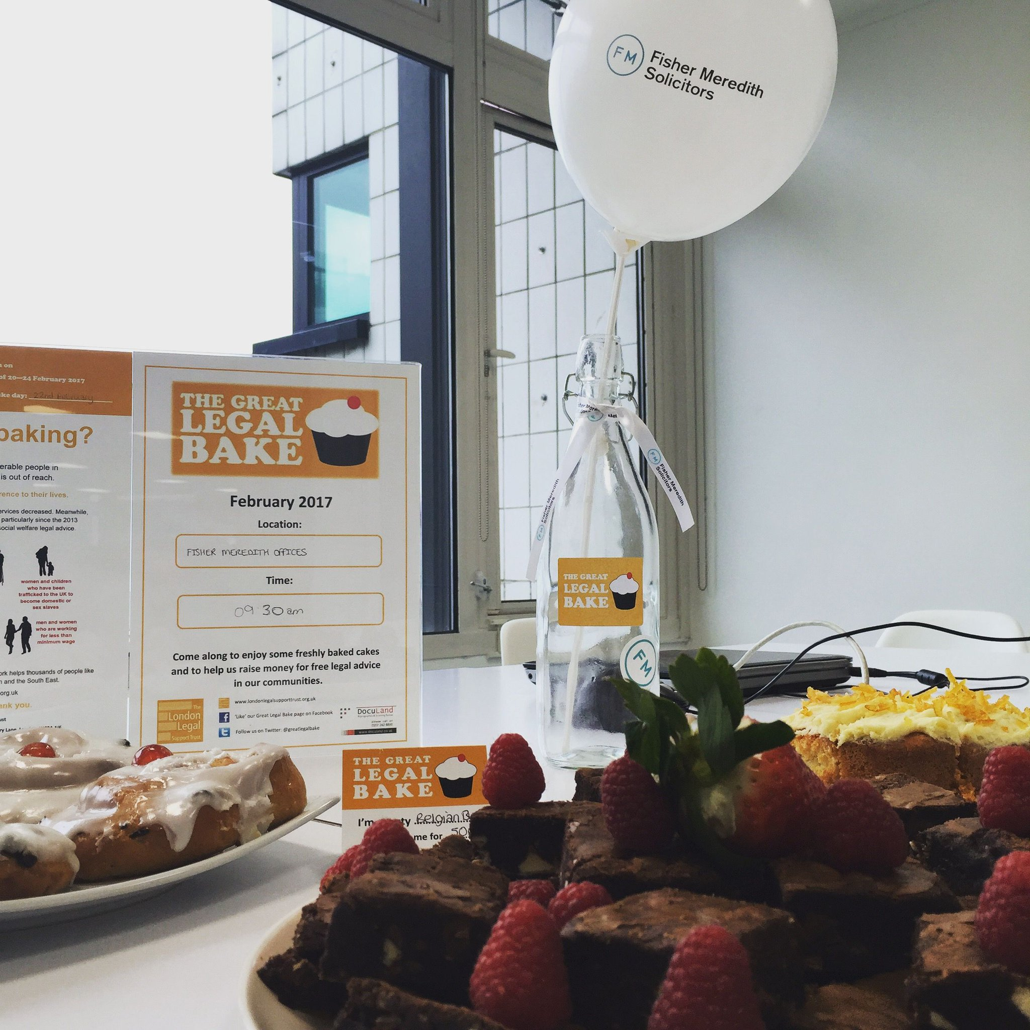 We had a lovely (and slightly sickly!) day raising funds for @londonlegal during our #GreatLegalBake today! @greatlegalbake #fundraiser #law https://t.co/LKUyon2xfi