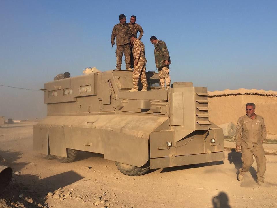 Боевики ИГИЛ в районе Мосула уничтожают военный автомобиль HUMVEE с помощью ударного беспилотника - Цензор.НЕТ 4492
