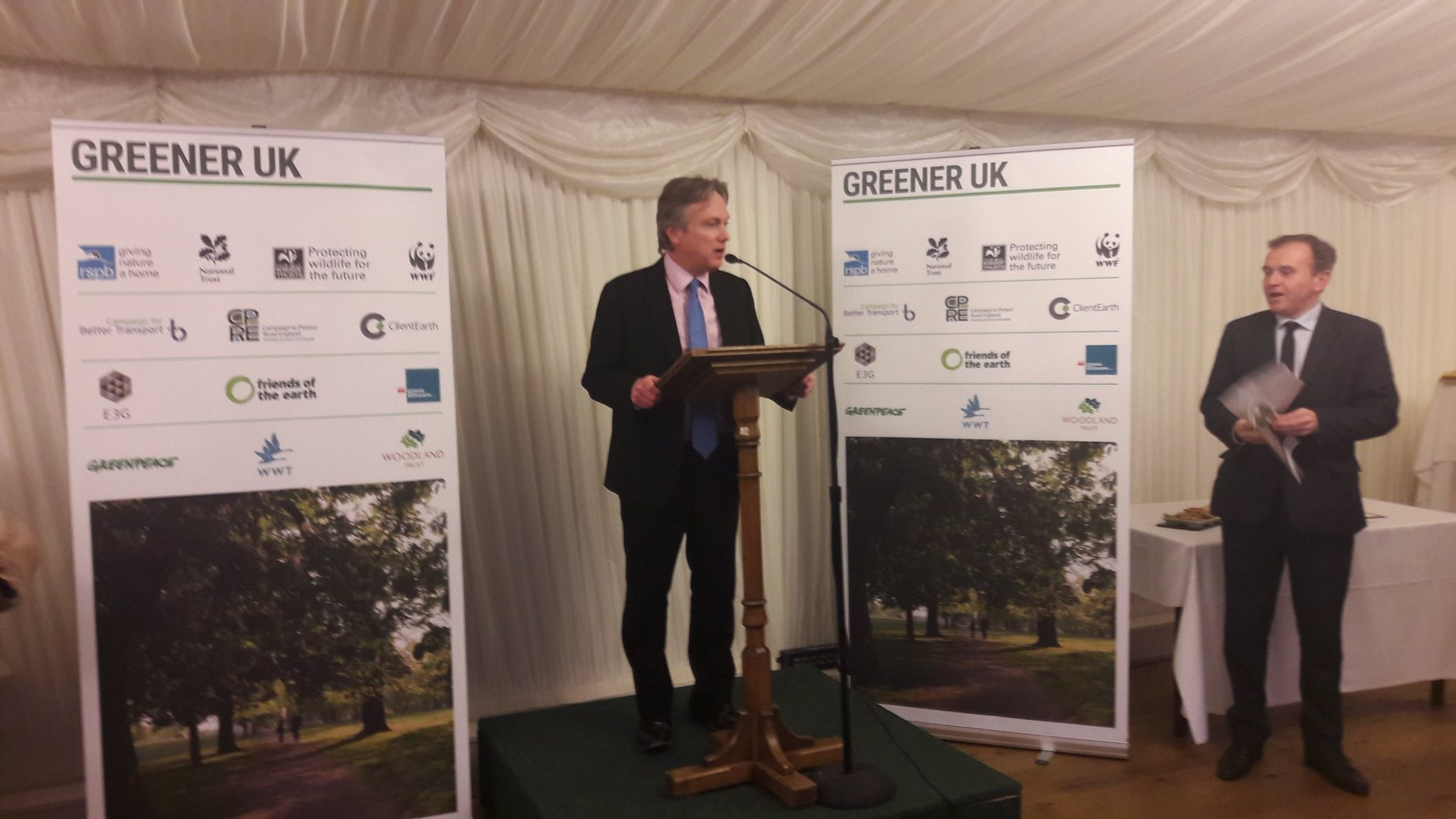 .@HenrySmithMP: important great repeal bill transposes all environmental law #greenerUK https://t.co/kv1Q1CkCy1