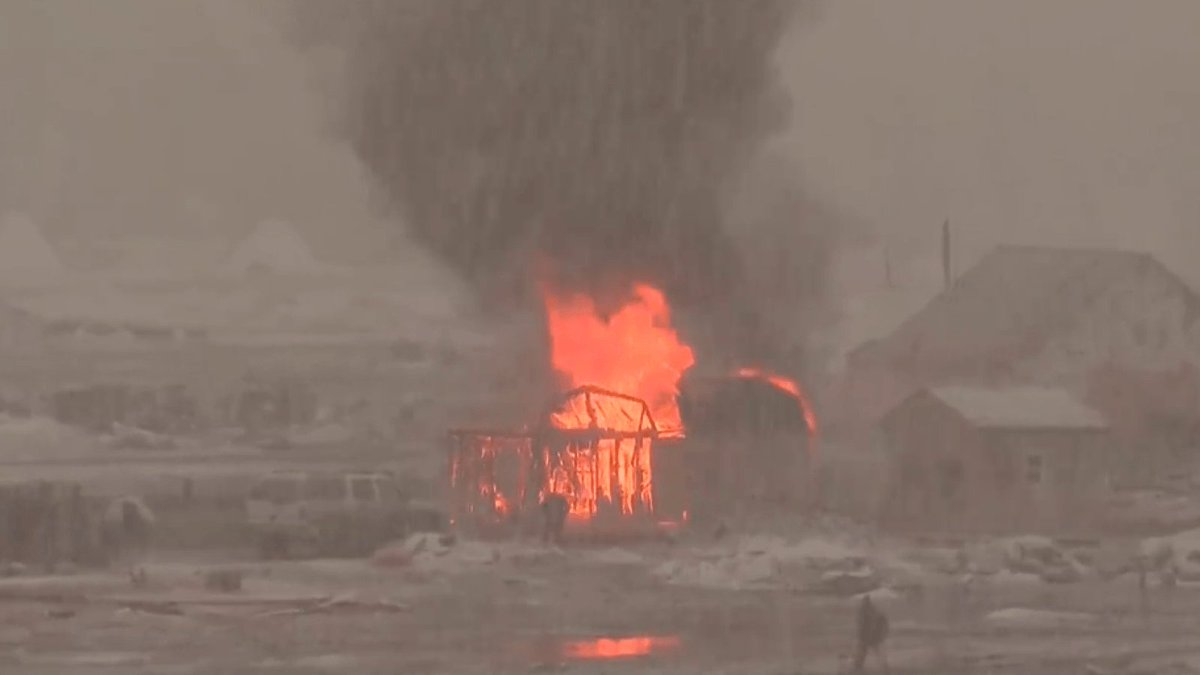 #StandingRock protesters are burning their camp to the ground ahead of...