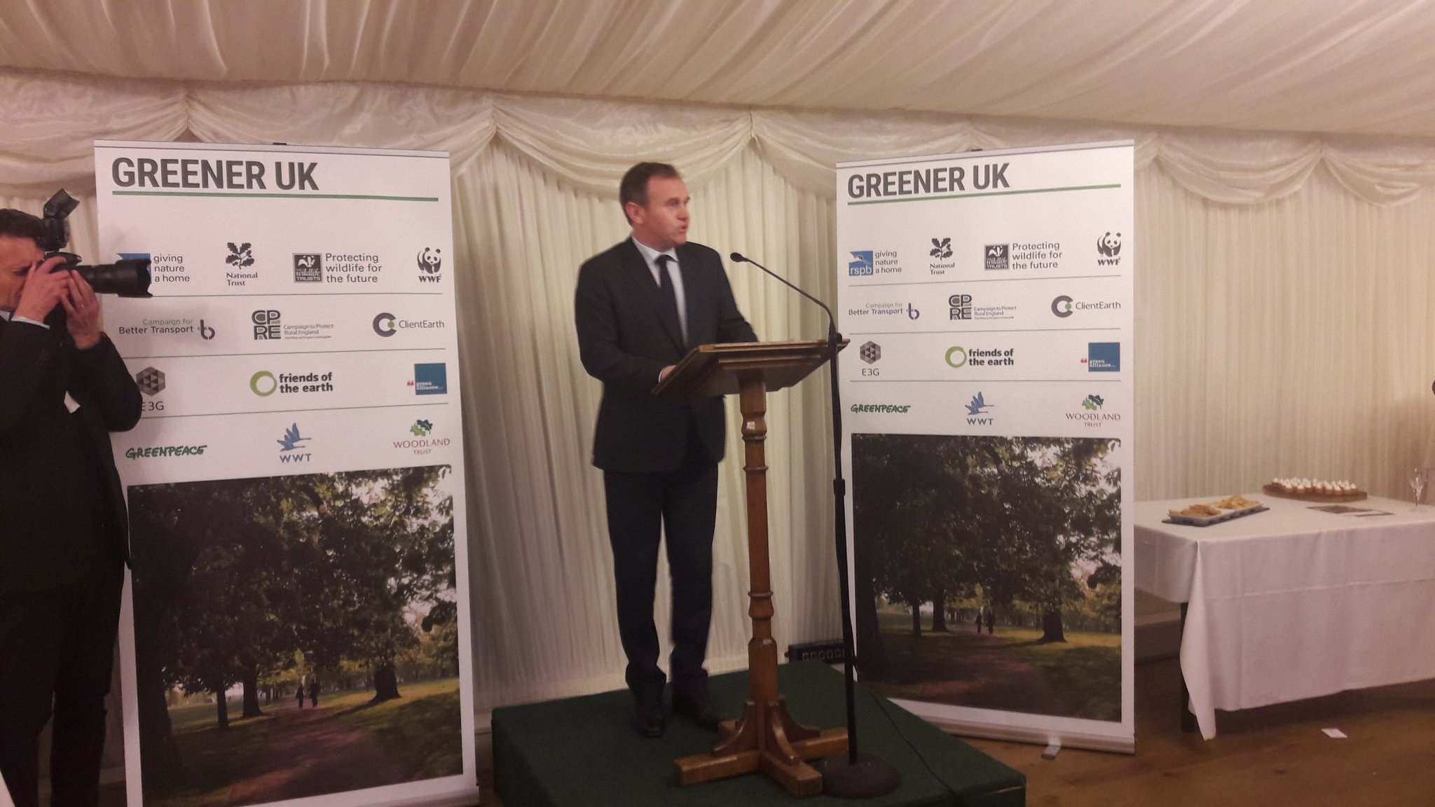 .@DefraGovUK Minister George Eustice confirms habitats directive will be transposed across in Great Repeal Bill #GreenerUK https://t.co/RC5b752cbb