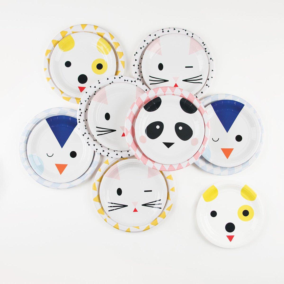 Les nouvelles assiettes mini animaux nous font craquer ! Adopt the sweetest cats, dogs, pandas and penguins ! #new  http:// mlday.fr/2lpNBr9  &nbsp;  <br>http://pic.twitter.com/u7R9hPs76N