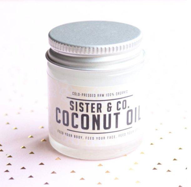 Multi-usages, l'huile de coco est idéale pour votre peau ! Nous on craque pour celle de @SisterandCo !  http:// bit.ly/2mbNpJC  &nbsp;   #coco #beaute <br>http://pic.twitter.com/1EtJuleFek