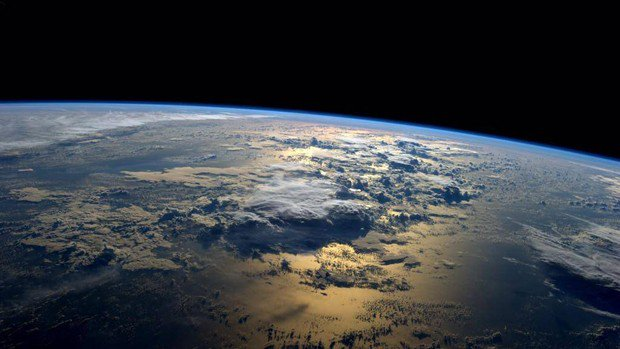 A Nasa anuncia descoberta de 7 planetas semelhantes à Terra e com condições de conter água líquida na superfície.