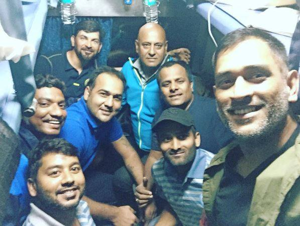 How Surprising When A Helicopter is in a Train. Really Such a Swt Person #Dhoni This is a reason why nation loves you#BillionDollarPicture<br>http://pic.twitter.com/8wq2bVca4q