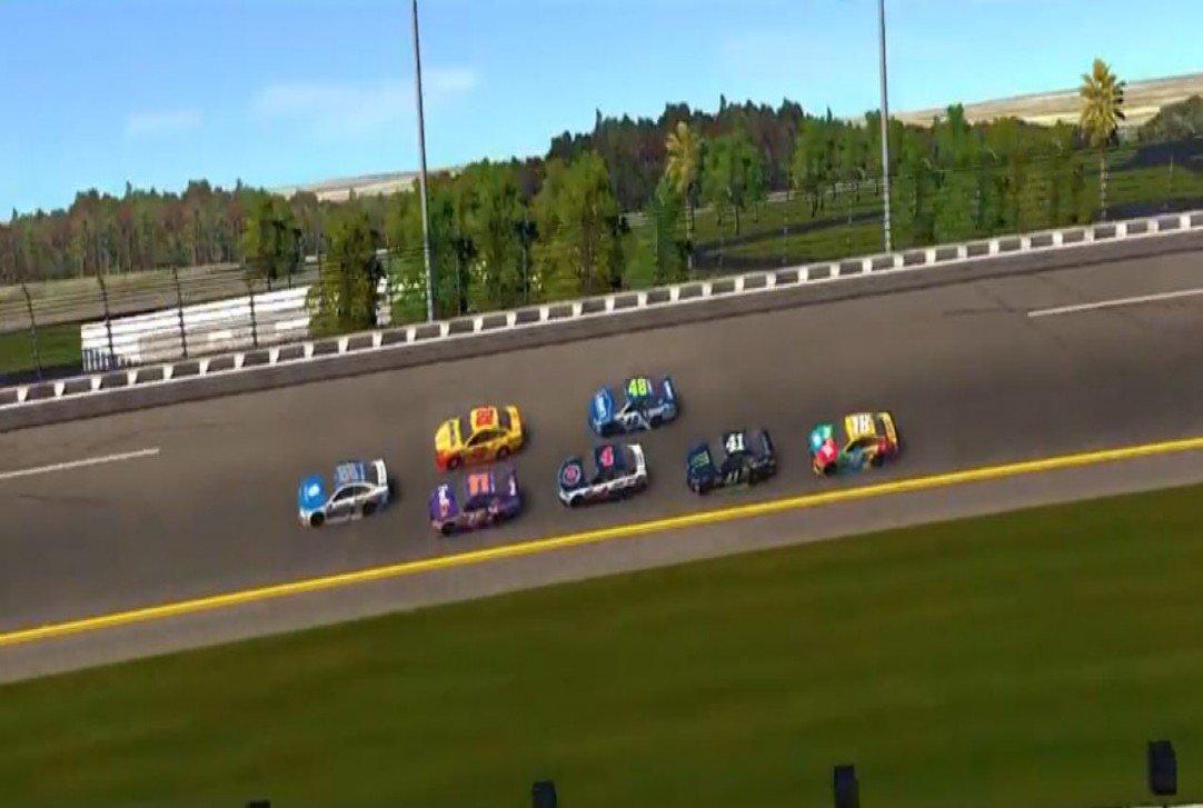 #NASCAR - [VIDÉO] Présentation des mises à jour du jeu NASCAR Heat Evolution  http:// dlvr.it/NRy8rL  &nbsp;   - via @usracingcom<br>http://pic.twitter.com/hZFUS9IBSn