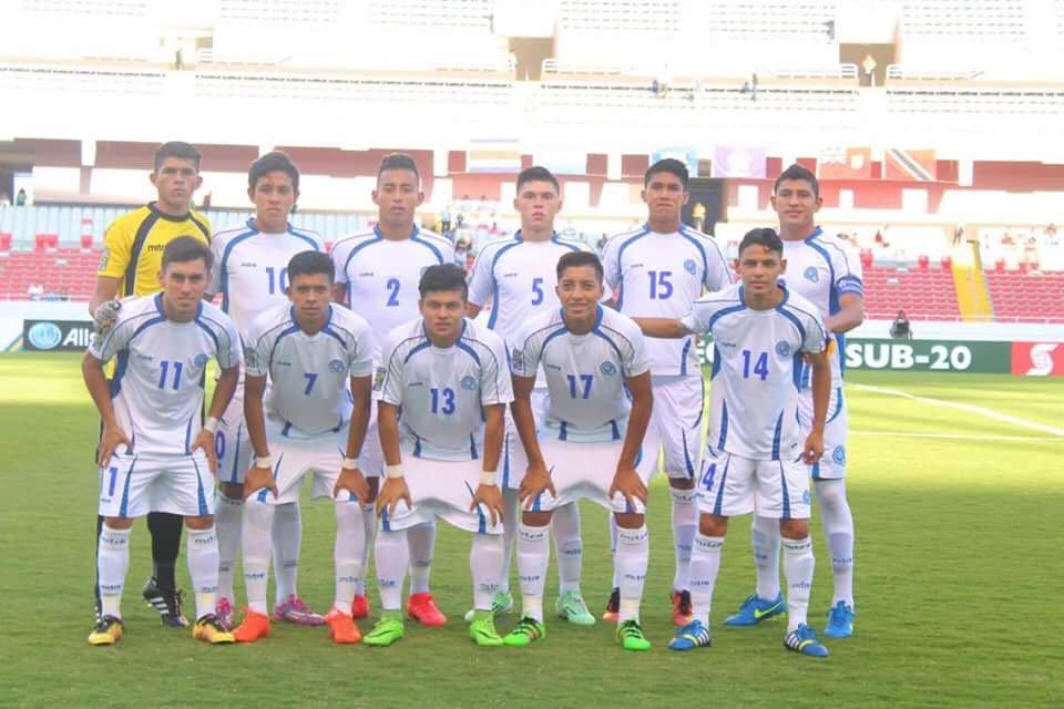 Campeonato CONCACAF 2017: El Salvador 3 Bermudas 1. C5T0QwTUcAAgipZ