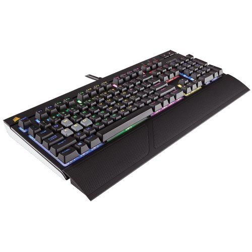 #VenteFlash  L&#39;unique Corsair Strafe RGB MX Silent avec ses switches mécaniques silencieux à 139,90€ !   https://www. topachat.com/pages/detail2_ cat_est_gaming_puis_rubrique_est_wg_pccla_puis_ref_est_in10092825.html &nbsp; …  <br>http://pic.twitter.com/0U7THWURbu