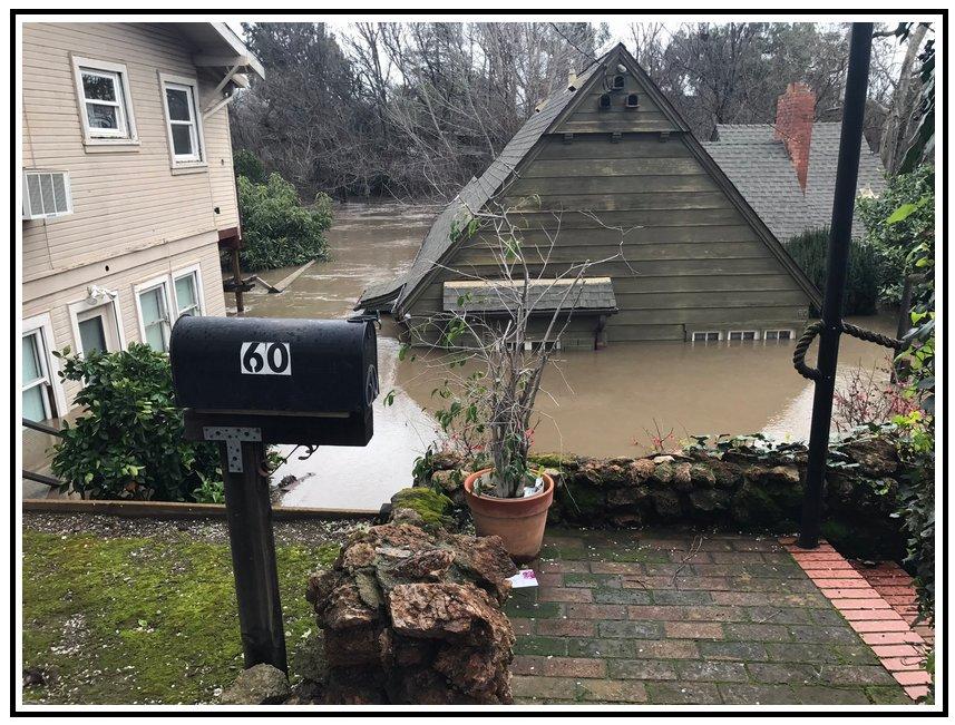 Des #inondations sur la côte Ouest des Etats-Unis avec beaucoup de pluie ces derniers temps #SanJose #WestCoast #USA #flood #flooding<br>http://pic.twitter.com/duejPrwapL