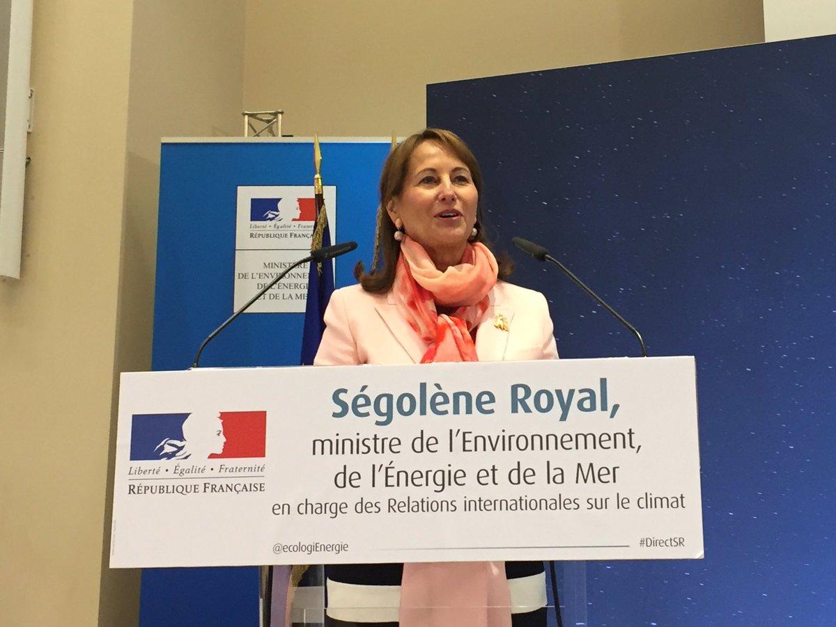 [Semaine bleue] Je réunis services maritimes du ministère : protection de l&#39;#Océan au cœur de l&#39;actualité, solution pr préserver le #climat <br>http://pic.twitter.com/jb02yIgYNR