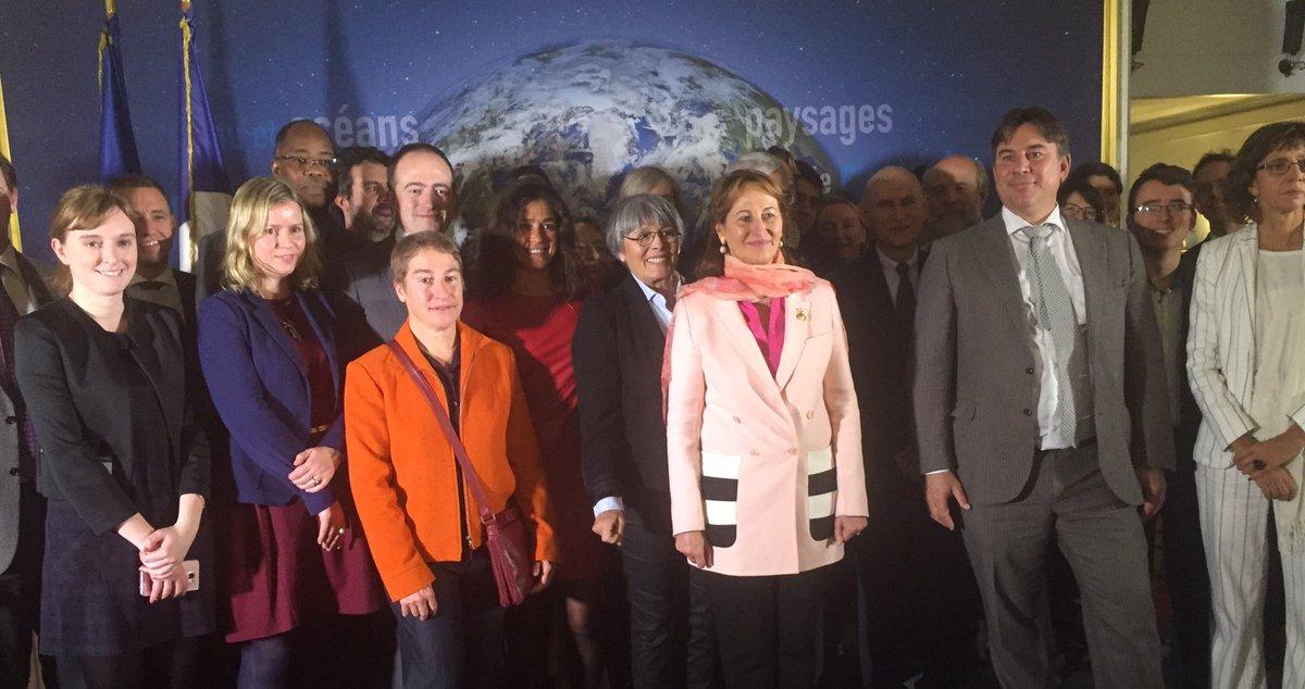 Je réunis les acteurs de l&#39;Alliance #Océan #Climat : irréversibilité de notre action collective #AccordDeParis #COP21<br>http://pic.twitter.com/r5a5qNP9IO