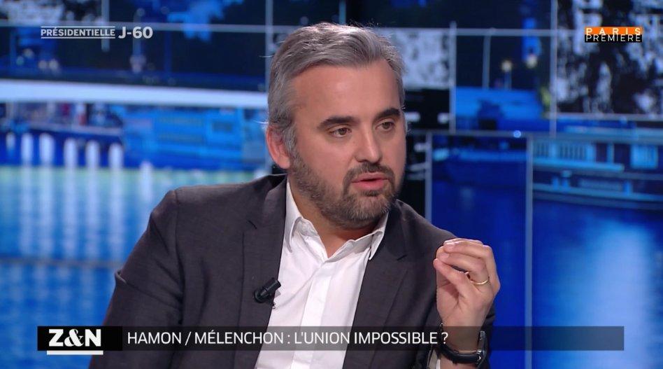 &quot; Je trouve que souvent il est pertinent. Cela relève le niveau &quot; @alexiscorbiere à propos de @dupontaignan #ZENPP <br>http://pic.twitter.com/lRCgASkCj3