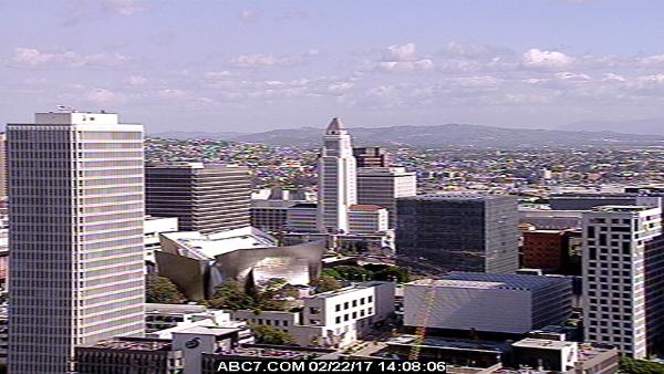It\'s 61F in #LosAngeles with cloudy skies & winds at SW 16.11mph
