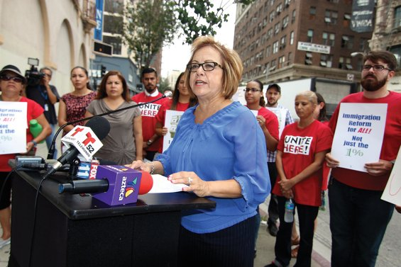 #Teamsters endorse @MariaEDurazo for DNC Vice-Chair:  http:// teamster.org/node/104853  &nbsp;   #1u <br>http://pic.twitter.com/awiT1xuJII