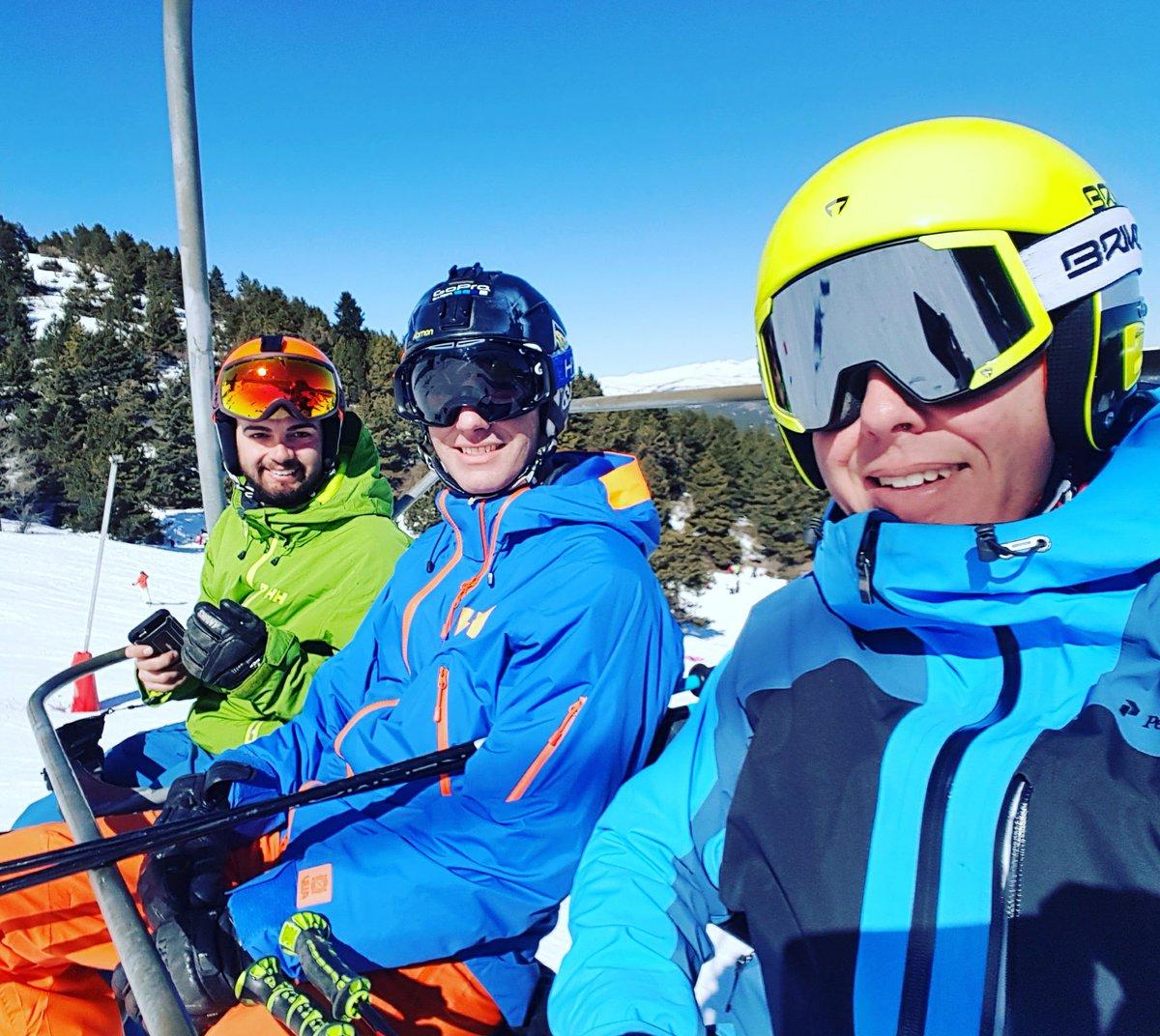 Espectacular @SnowLaMolina y @MasellaPirineu #alp2500 #esqui #nevasport https://t.co/PNklJHAEbI