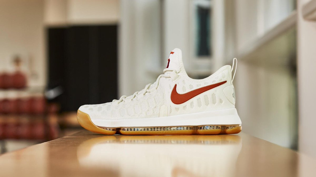 """339d207b4873 An official look at the Nike Zoom KD 9 """"Texas"""" to be worn by  TexasMBB on  Saturday"""