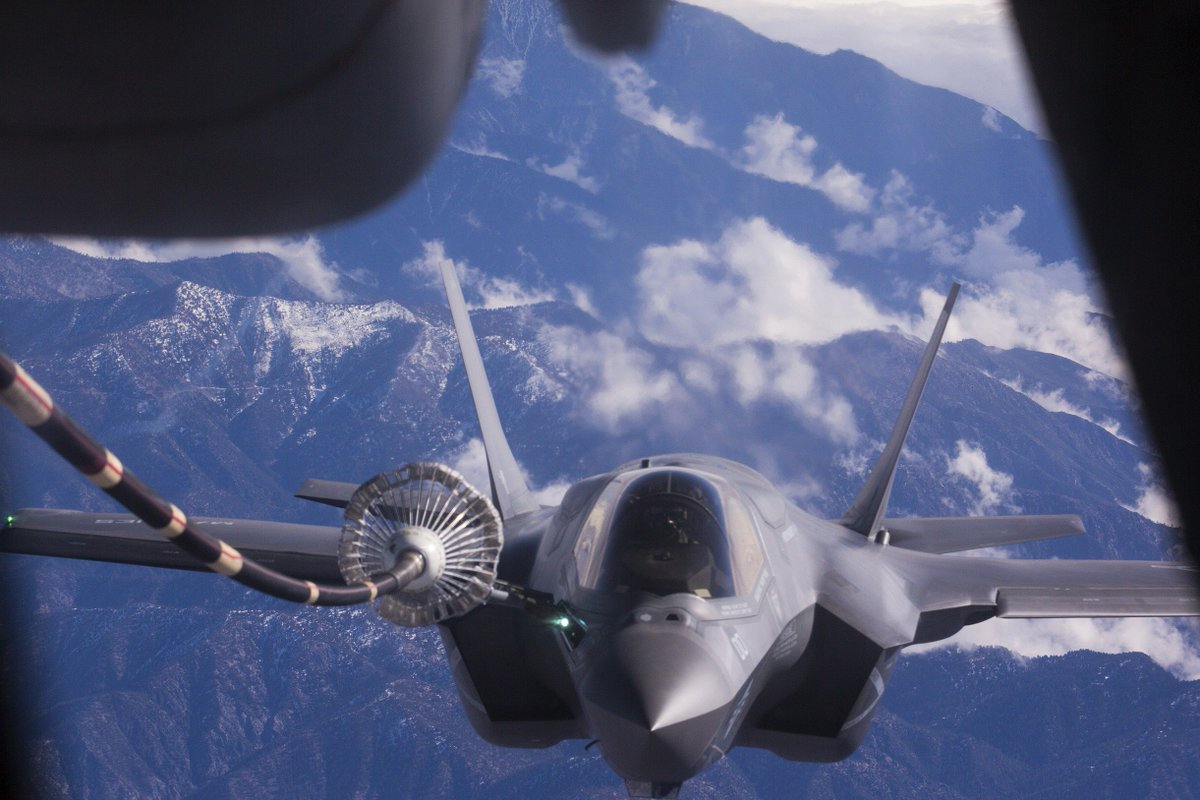#JSDF F-35A and @USMC F-35B #fighters launch a new era of aviation in #Japan and the #IndoAsiaPacific  http:// go.usa.gov/x9uTd  &nbsp;  <br>http://pic.twitter.com/9vPvOgti2o