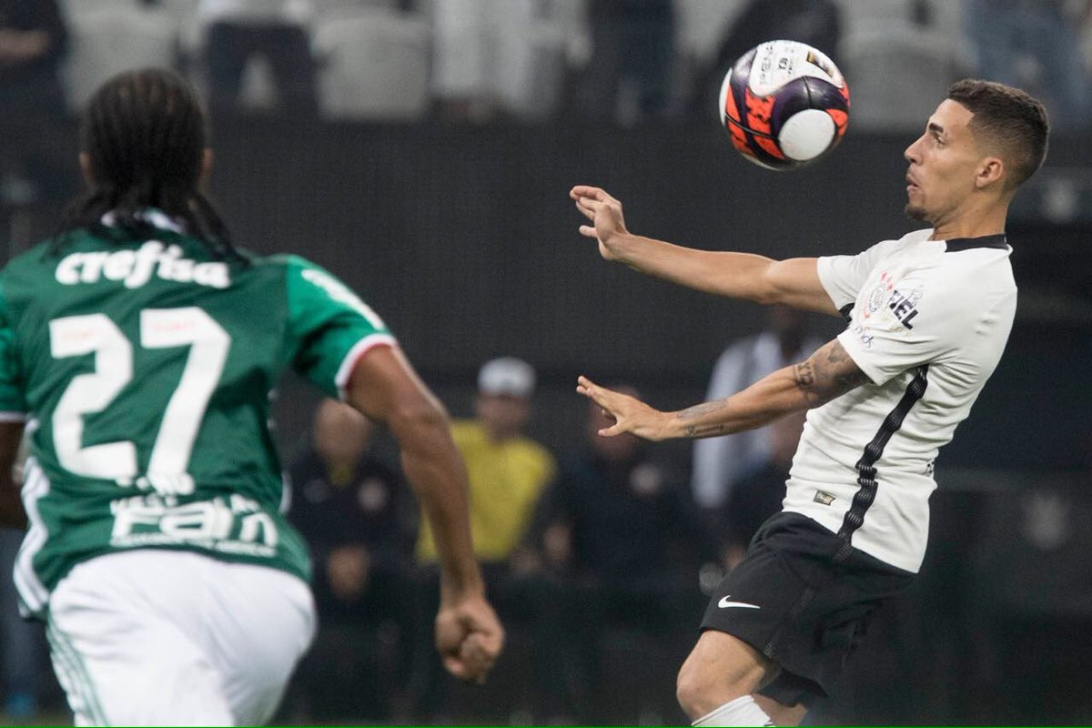 Gabriel, agora do lado certo do Derby.   📷 Daniel Augusto Jr./Agência Corinthians   #DerbyDaRaça