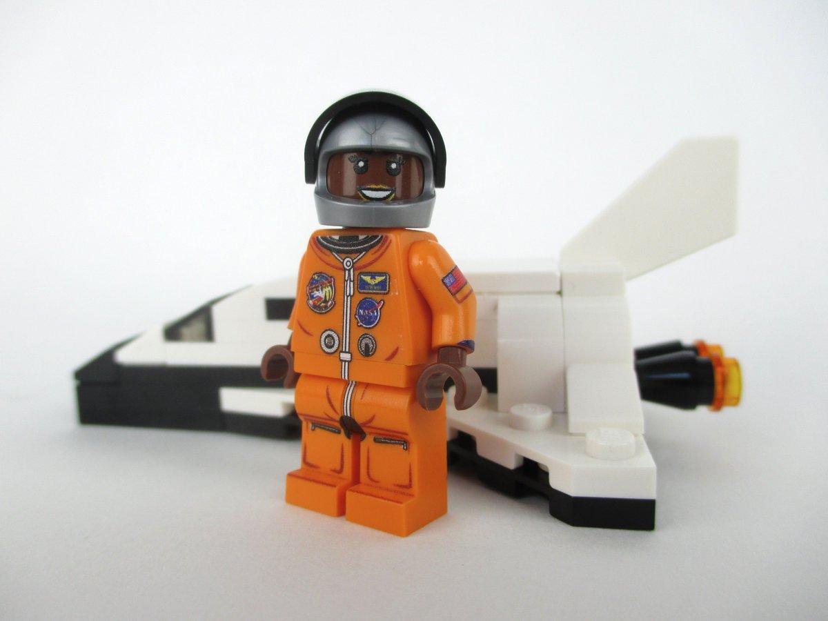 """Resultado de imagen para Lego nueva colección """"Mujeres de la Nasa"""""""