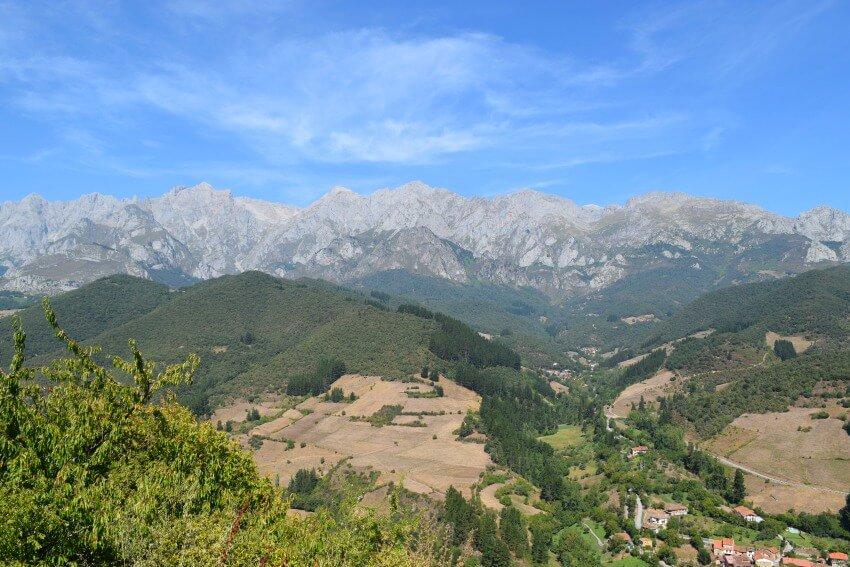 Unterwegs in den Picos de Europa:  https://www. geckofootsteps.de/picos-de-europ a-unterwegs-in-spaniens-aeltestem-nationalpark/ &nbsp; …  #spanien #picosdeeuropa #kantabrien<br>http://pic.twitter.com/uPmTHbjElW