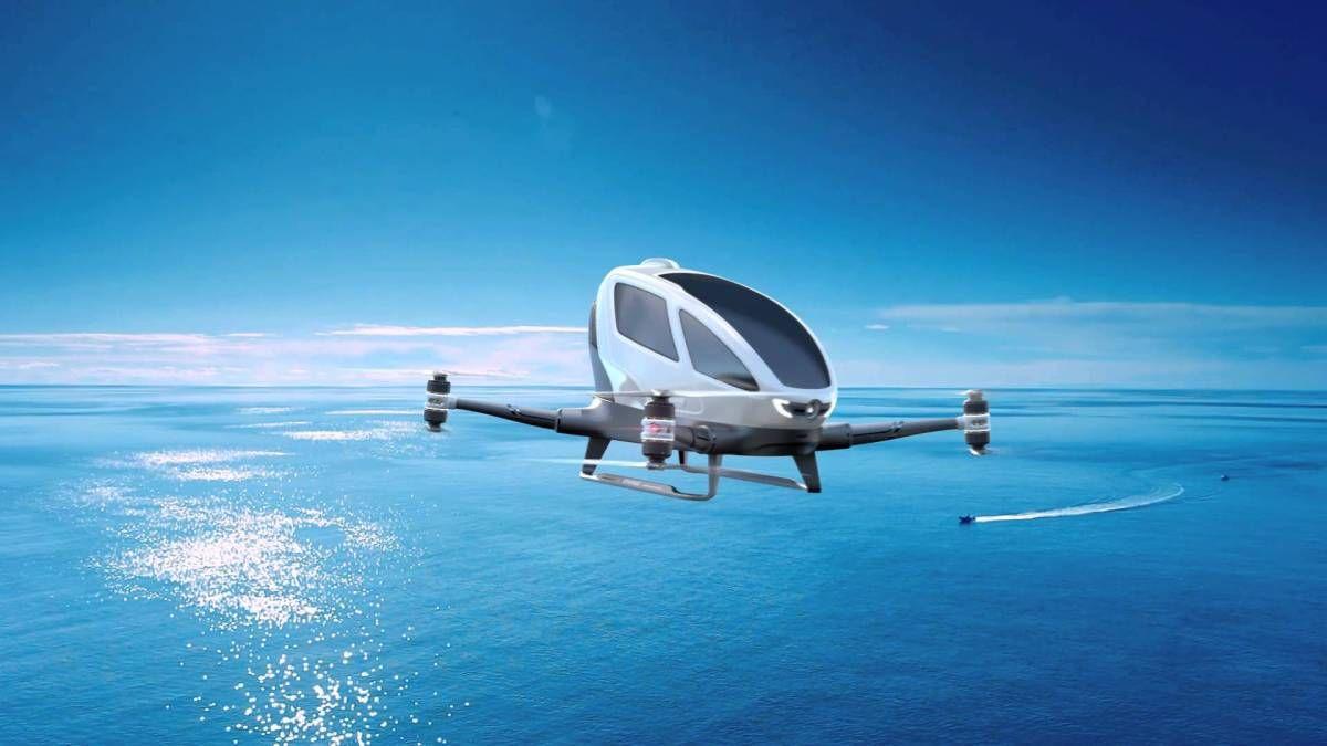 [#Insolite] Les premiers taxis aériens au monde prendront le ciel d'ici à cinq mois....à Dubai.  http:// buff.ly/2lhycsW  &nbsp;  <br>http://pic.twitter.com/z14l1QbH5X