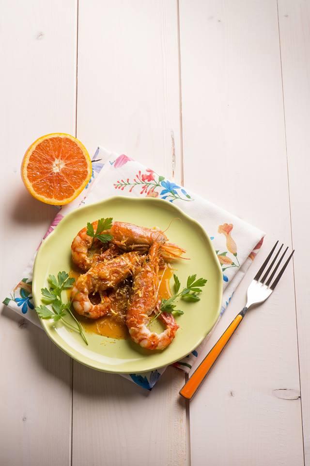 Gambas à l'orange La recette ici :  http://www. cuisine-et-mets.com/poissons-et-fr uits-de-mer/crustaces/gambas-orange.html &nbsp; …  A s&#39;en lécher les doigts ! #recettes #cuisine <br>http://pic.twitter.com/yxto5x9Bpf