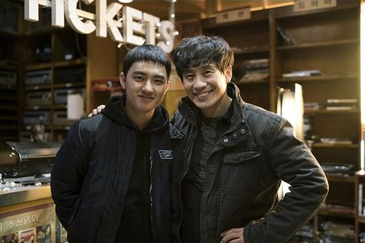 Shin Ha Kyun And #EXO's D.O. Reveal Their Thoughts On Filming For Movi...