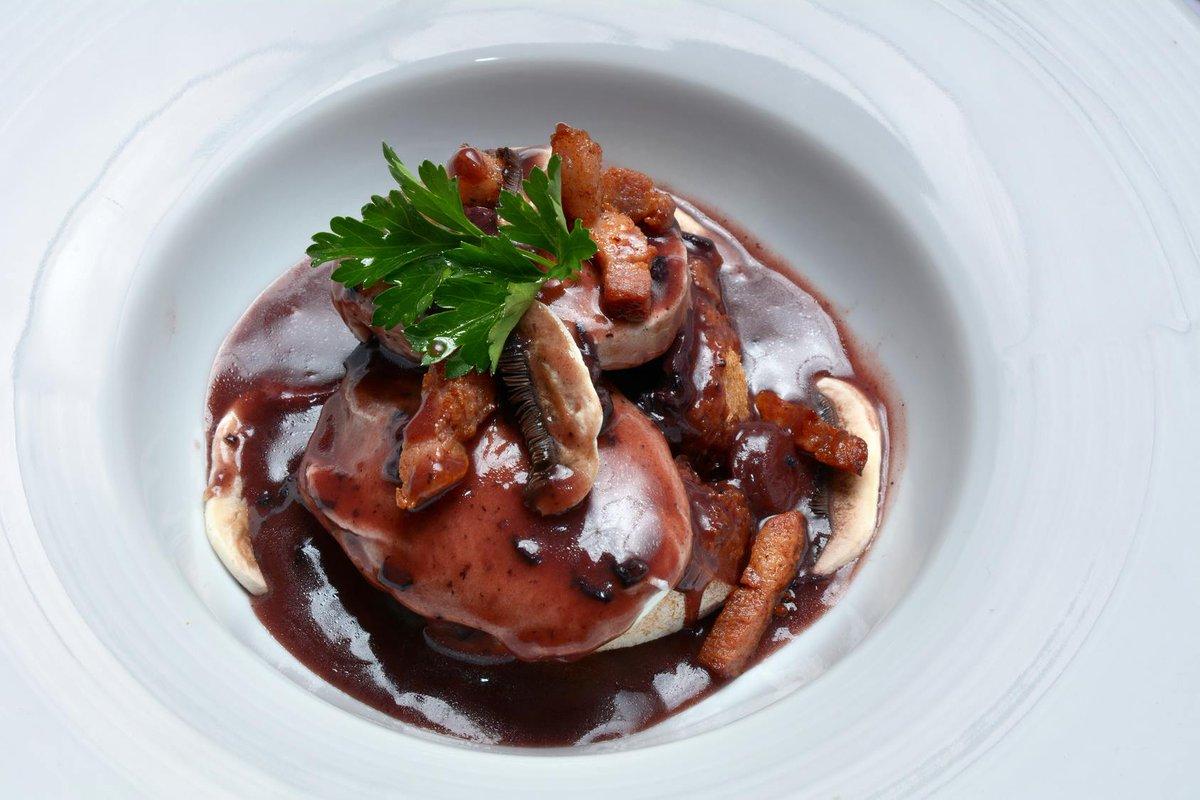 Oeufs meurette La recette ici :  http://www. cuisine-et-mets.com/oeufs/recettes -a-base-d-oeufs/oeufs-meurette.html &nbsp; …  Un classique délicieux, est ce que vous aimez ? #recettes #cuisine <br>http://pic.twitter.com/2qhpNsZ7R5